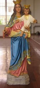 statue of Mary Help of Christians with child Jesus